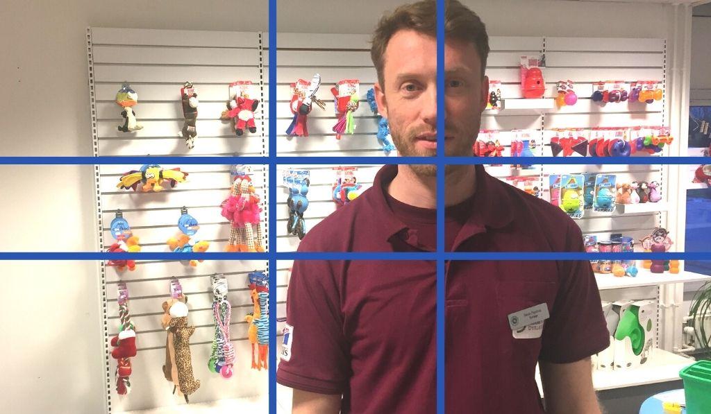 Her står jeg som Thomas Martinsen anbefaler i det gyldne snit, der giver bedre video til nettet